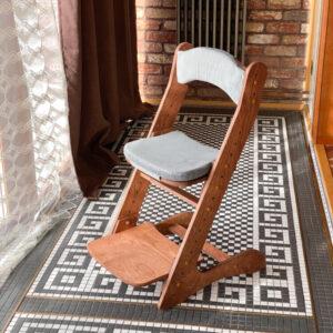 """Растущий стул для детей """"Компаньон"""" с покрытием и комплектом подушек"""