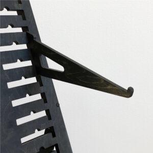 Наклонные углы под полку среднего размера