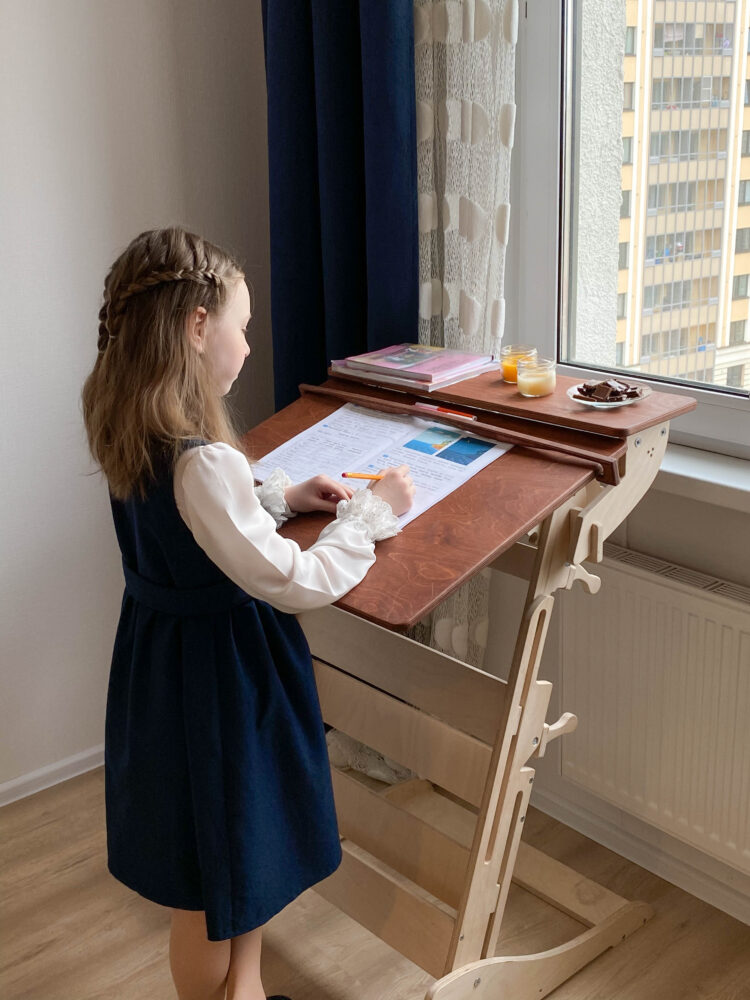 Стол для учебы стоя «Эврика детская (Гармония)» с регулировкой высоты и наклона столешницы на рост 100-160 см