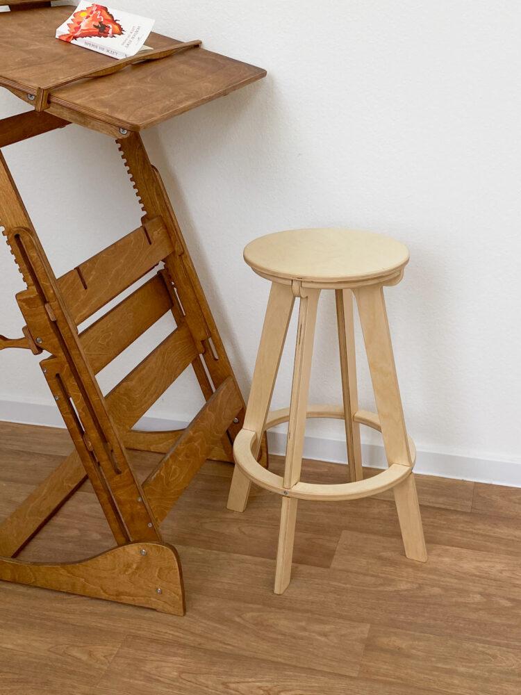 Высокий стул табурет, прозрачное масло