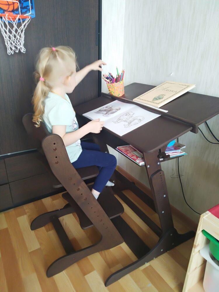 Конторка «Хронос» для учебы стоя и сидя с полкой, Темный орех