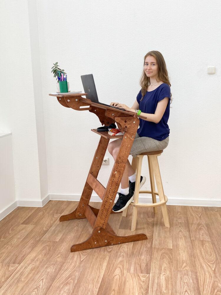 Стол конторка «Хронос XL» для работы стоя и сидя с верхней полкой, цвет Светлый орех